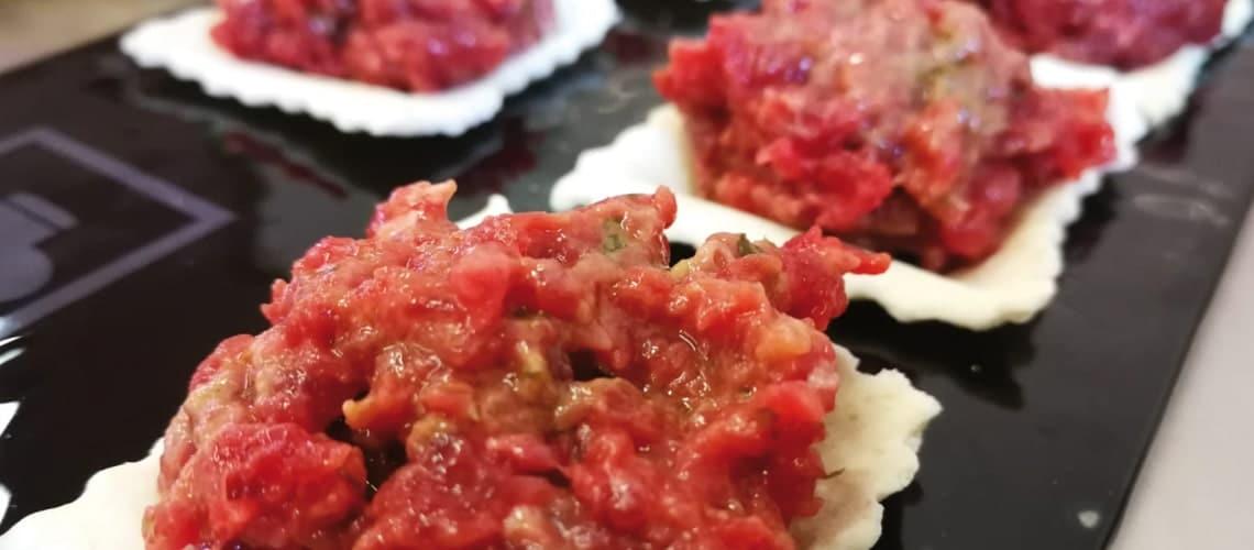 Aperitivo San Donnino | degustazione carne equina